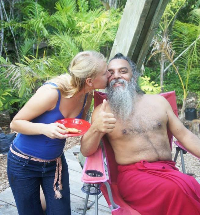 सेक्स कांड झूठा आरोप लगा घोटाला करने वाली कंपनी शिकारी गुरु myrthe jansen रिश्ते के साथ ओझेन रजनीश प्रेम gilfriend